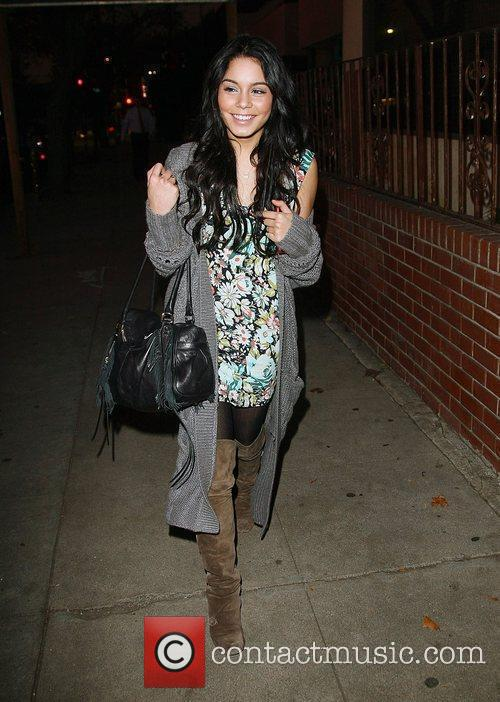 Vanessa Hudgens meeting friends at Aroma cafe for...