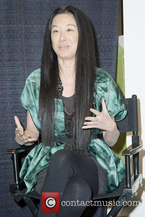Vera Wang 9