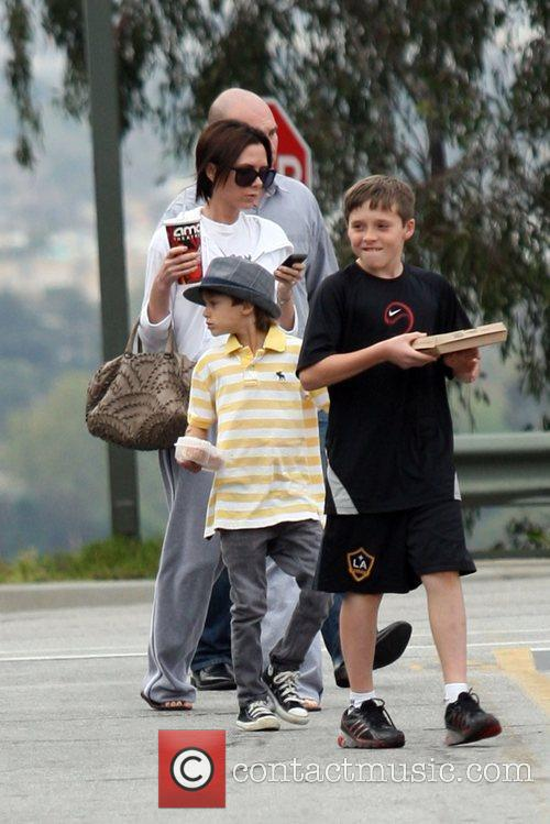 Victoria Beckham, Romeo and Brooklyn 4