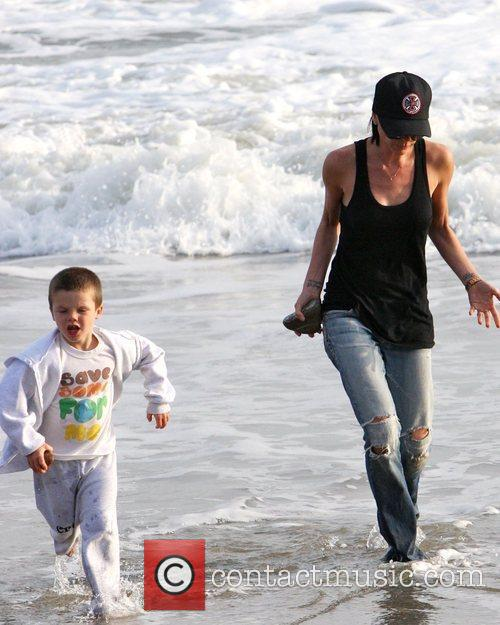 Victoria Beckham and Cruz Beckham 9