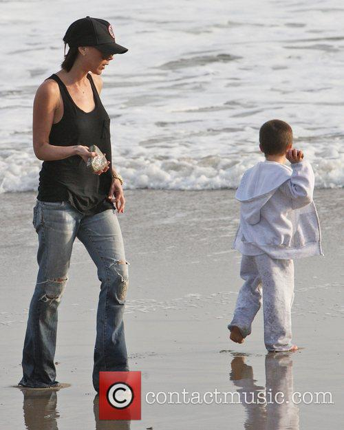 Victoria Beckham and Cruz Beckham 3