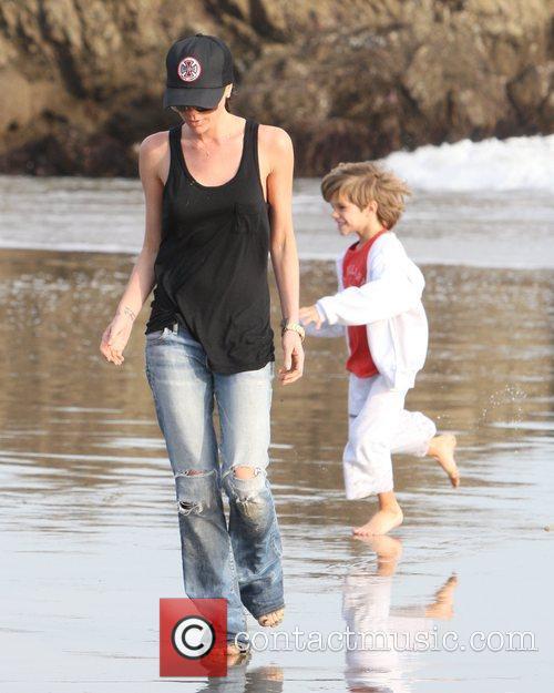 Victoria Beckham and Romeo Beckham 4