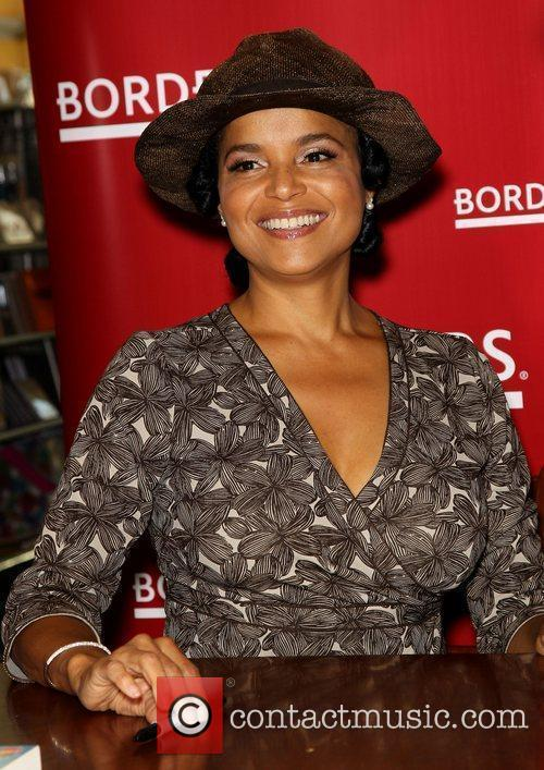 Victoria Rowell and Las Vegas 22