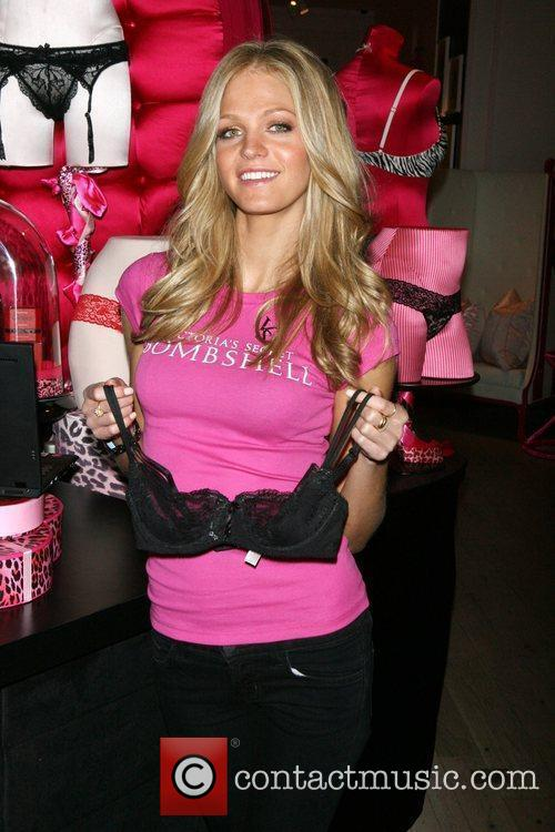 Erin Heatherton Victoria's Secrets Bombshells answer Valentine's Day...
