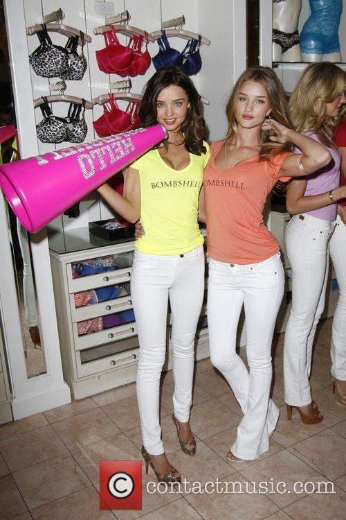 Miranda Kerr and Rosie Huntington-whiteley 2