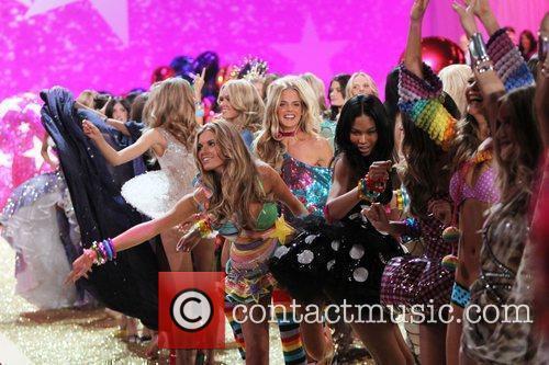 Chanel Iman and models 2010 Victoria's Secret Fashin...