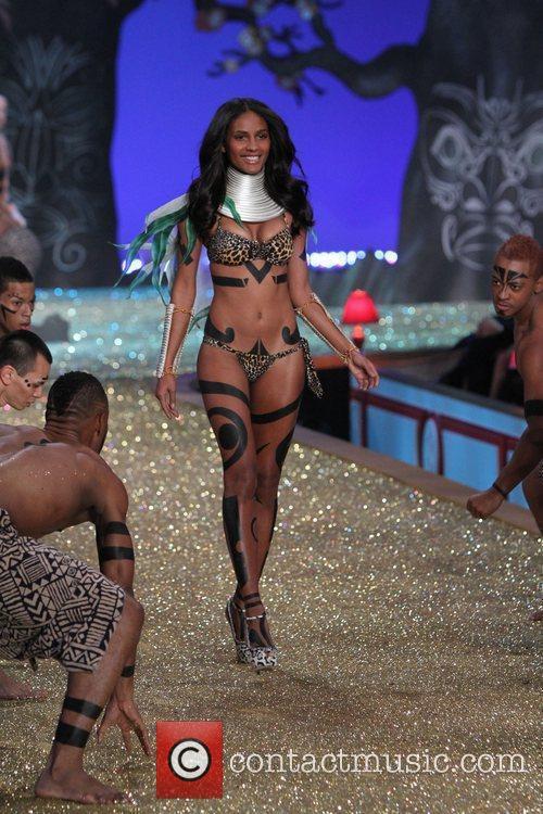 Emanuela De Paulo 2010 Victoria's Secret Fashion Show...