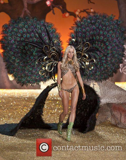 Caroline Winberg  2010 Victoria's Secret Fashion Show...