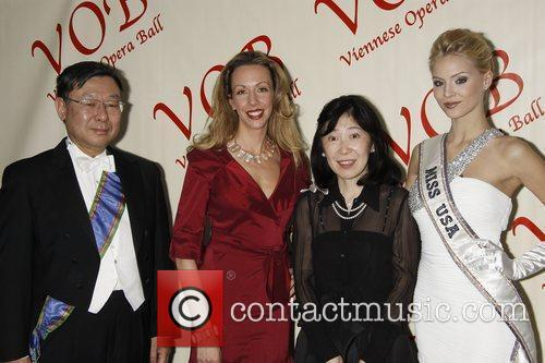Elizabeth Gore, Miss USA 2009 Kristen Dalton and...