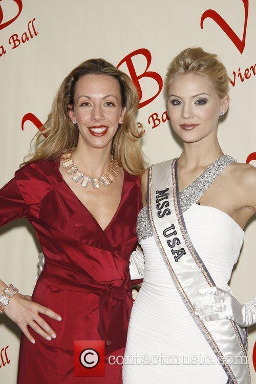 Elizabeth Gore and Miss USA 2009 Kristen Dalton...