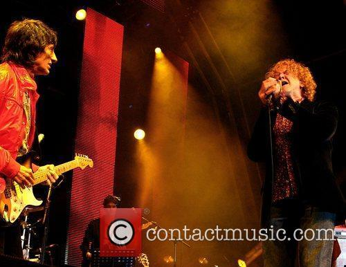 Ronnie Wood and Mick Hucknall 6