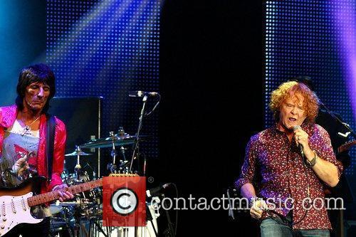 Ronnie Wood and Mick Hucknall 7