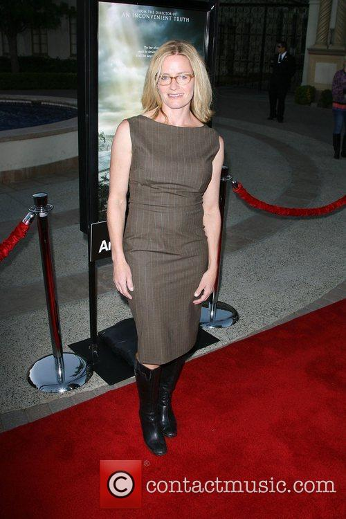 Elisabeth Shue, Paramount Pictures and Superman 5