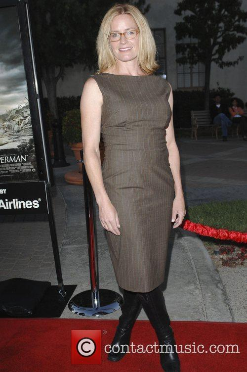 Elisabeth Shue, Paramount Pictures and Superman 8