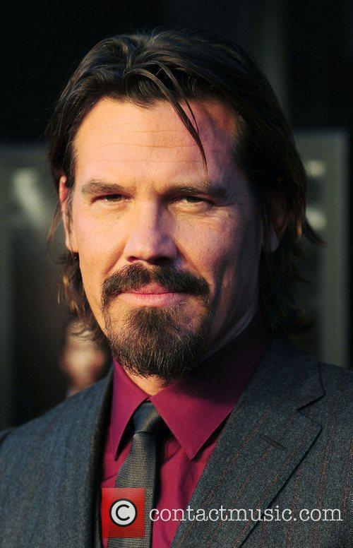 Josh Brolin and Wall Street 7