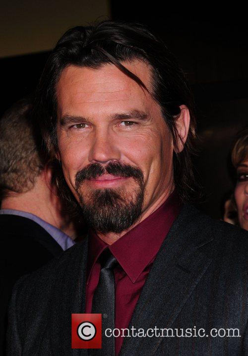 Josh Brolin and Wall Street 8