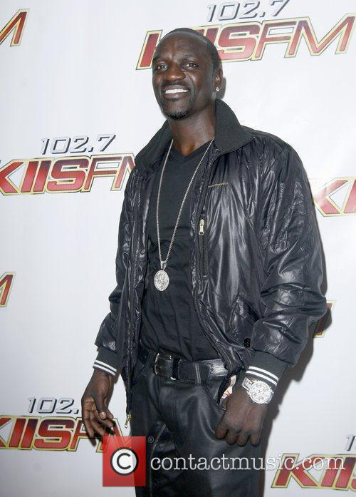 Akon, Staples Center