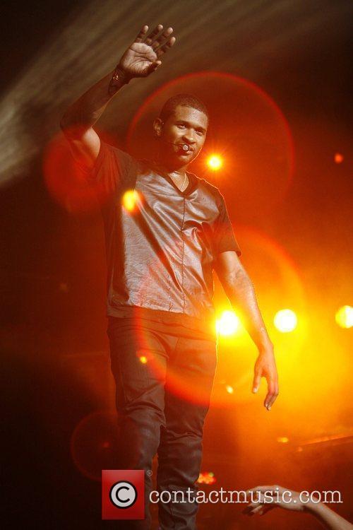 Usher KIIS FM's 2010 Wango Tango Concert -...