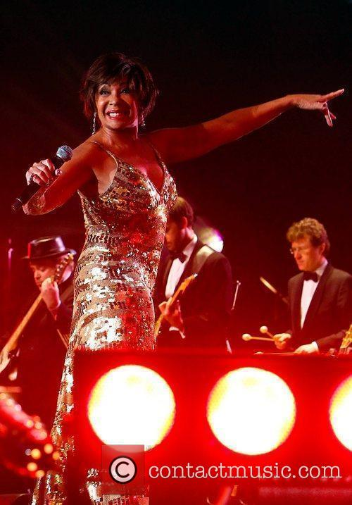 Shirley Bassey and Colin Montgomerie 4