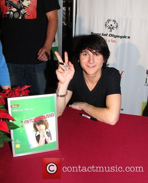 Mitchel Musso Westfield Culver City and the Special...