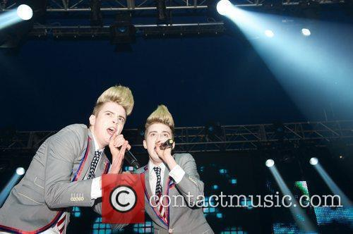 Jedward and Wii 13