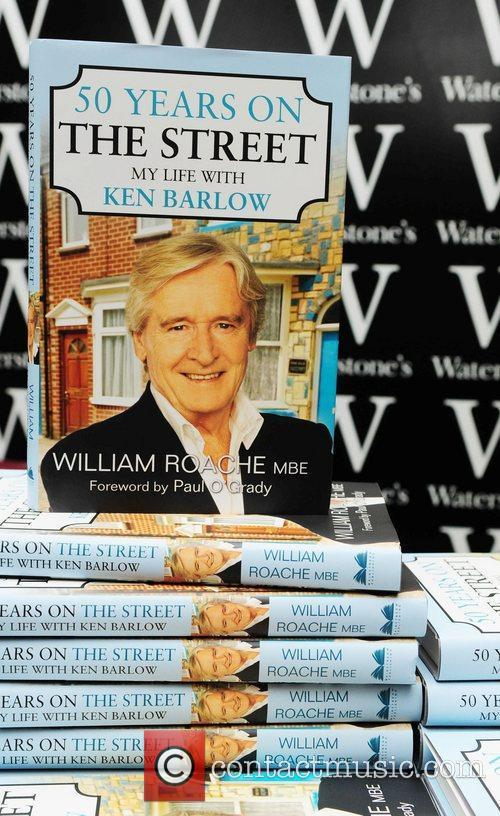Atmosphere William Roache signs copies of his new...