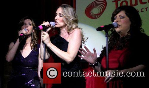 Wendy Wilson, Carnie Wilson, Chynna Phillips and Wilson Phillips 4