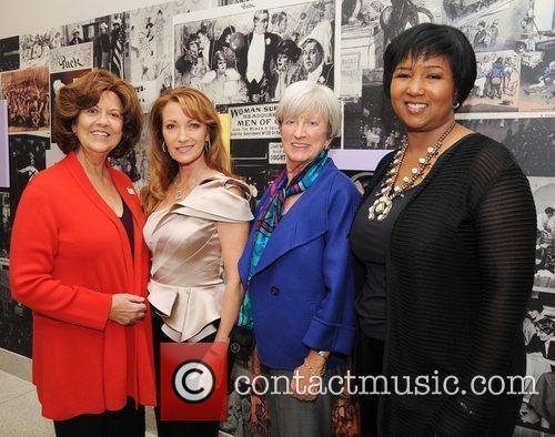 Rosemarie Greco, Jane Seymour, Lynn Yeakel and Mae...