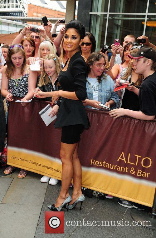 Nicole Scherzinger and Victoria Beckham 10