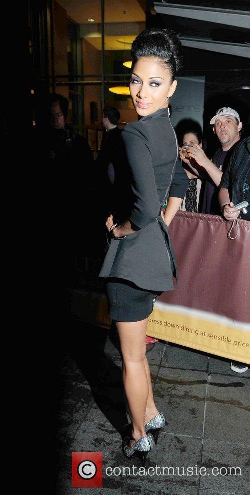 Nicole Scherzinger and Victoria Beckham 3