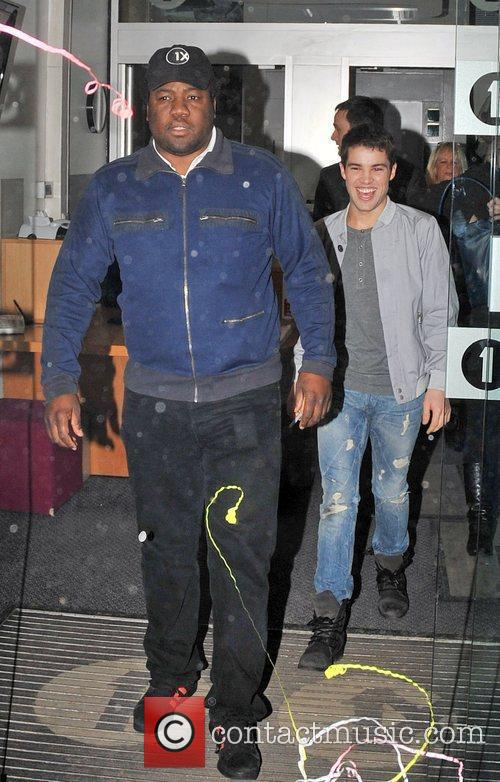Joe Mcelderry and Simon Cowell 3