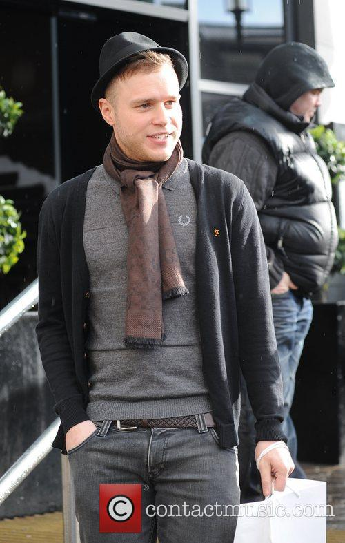 Olly Murs X Factor contestants leave their hotel...