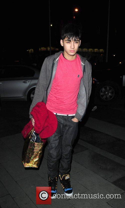 Zain Malik X Factor Finalists 'One Direction' arrive...