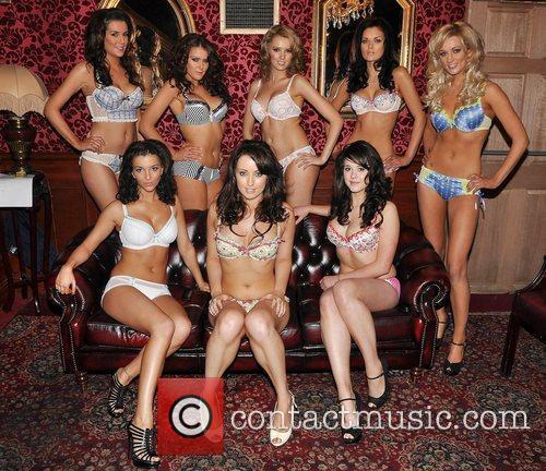 (b) Liz Ryan, Rachel Sorohan, Christina McLean, Dana...