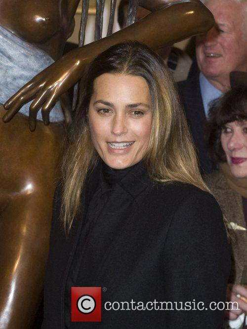 Yasmin Le Bon - attends a statue unveiling at 87 St. James