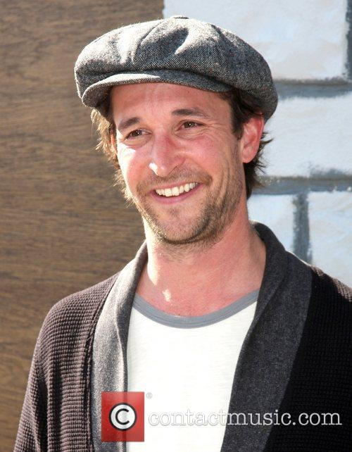 Noah Wyle and Mann 6