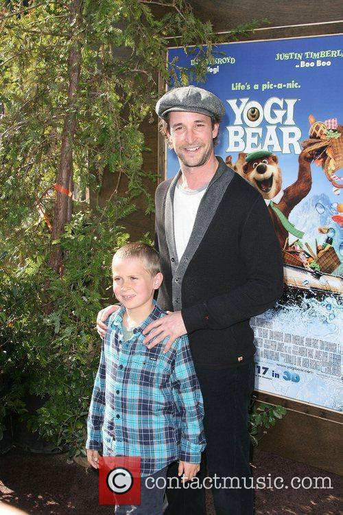 Noah Wyle and Mann 2