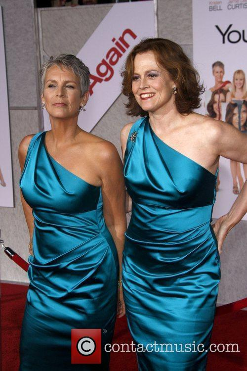 Jamie Lee Curtis and Sigourney Weaver 1