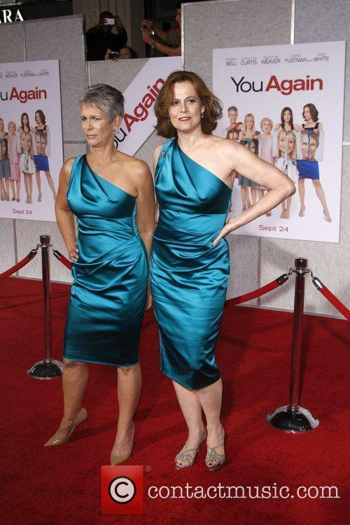 Jamie Lee Curtis and Sigourney Weaver 7