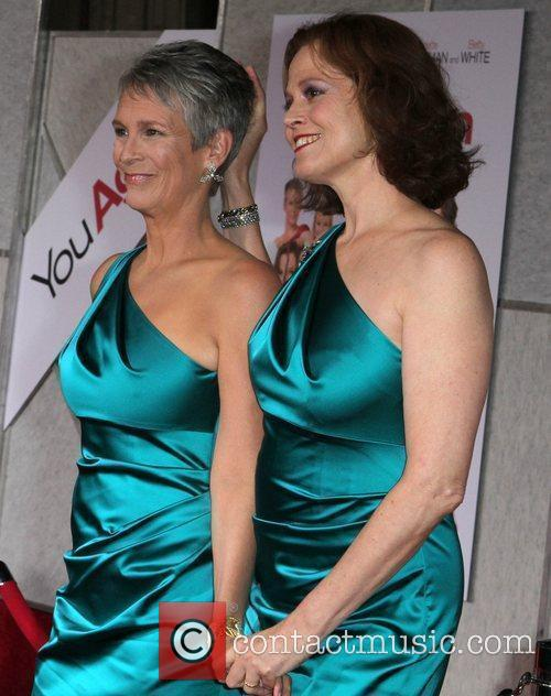 Jamie Lee Curtis and Sigourney Weaver 9