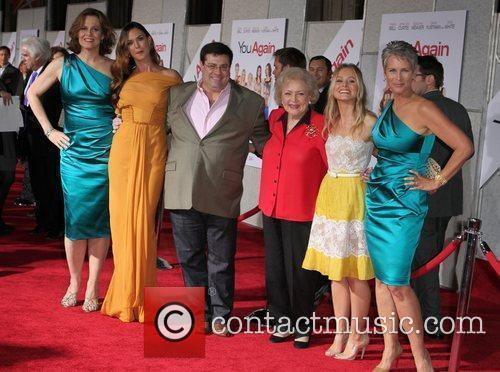 Sigourney Weaver, Andy Fickman, Betty White, Jamie Lee Curtis, Kristen Bell and Odette Yustman 8