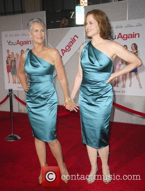 Jamie Lee Curtis and Sigourney Weaver 3