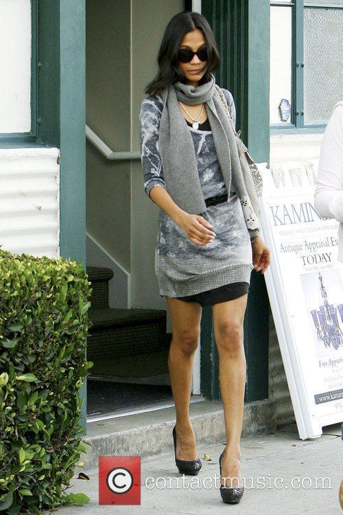 'Avatar' star leaving Kaminski auction house in Beverly...