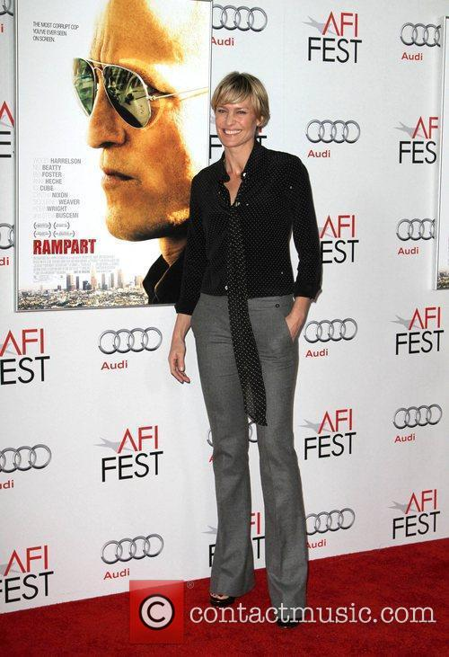 Robin Wright and Grauman's Chinese Theatre 4
