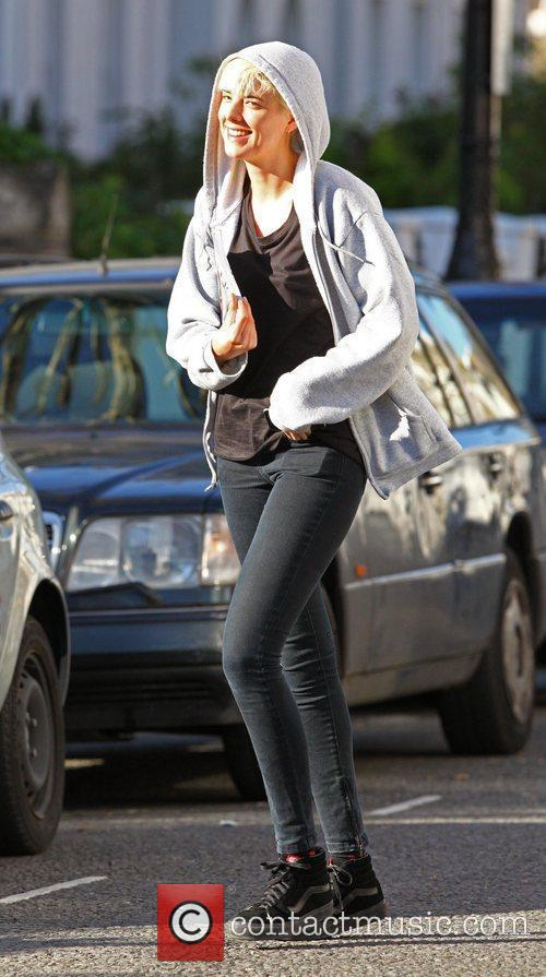 Agyness Deyn makes her way home after breakfast...
