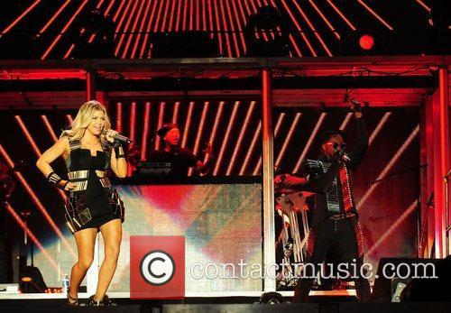 Fergie and Black Eyed Peas 5