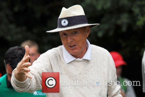 Jasper Carrott playing the Cromwell Course Day Two...