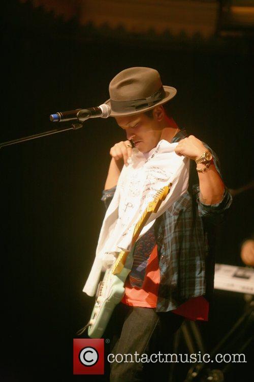 Bruno Mars 11