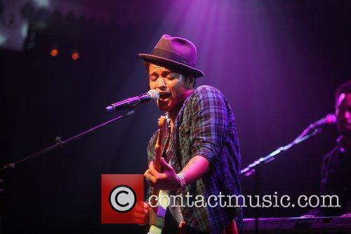 Bruno Mars 12