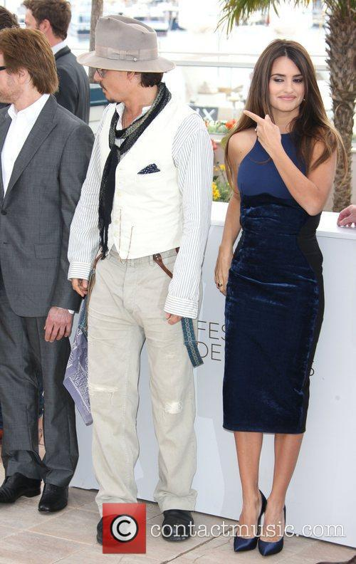 Johnny Depp and Penelope Cruz 1